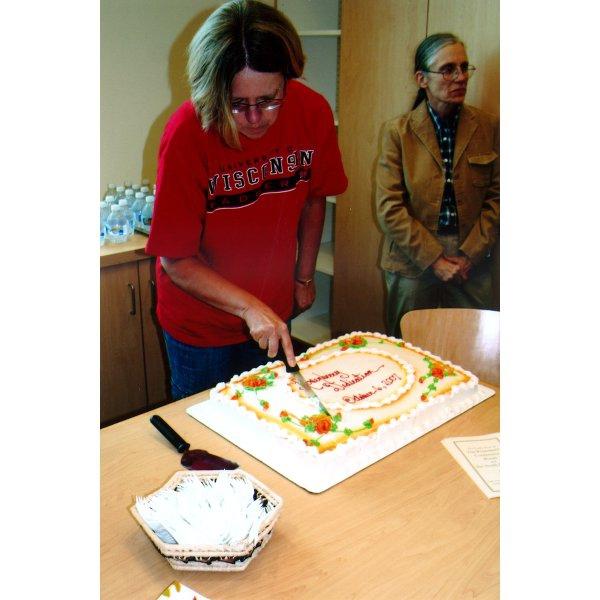 2007 - Kathy Van Iten cutting the cake